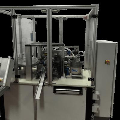 מכונה להרכבת פילטר מיקרוני בתוך וויל פלסטיק2-min-min