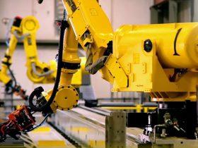רובוט 6 צירים על מסילה לינארית